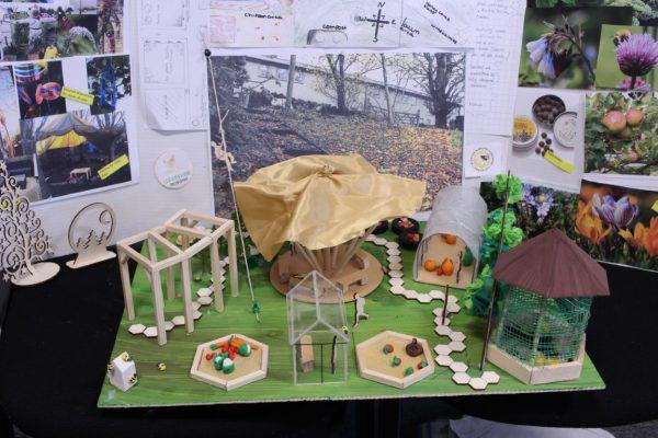 Design a garden (4)